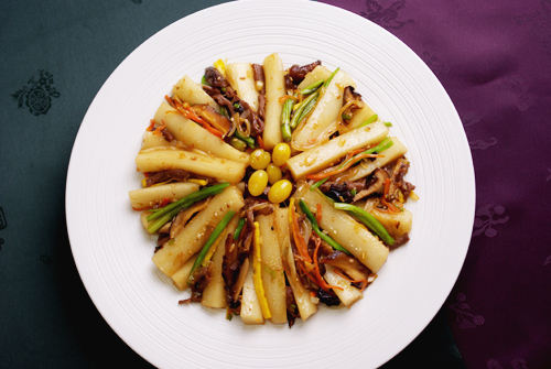 Goongjoong Ddeokbokki was a dish that was eaten by members of royalty and the elite
